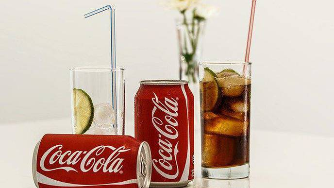 Study: Lots of Sugary Drinks Doubles Younger Women's Colon Cancer Risk